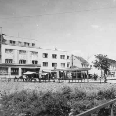 Dokončená budova Roľníckej vzájomnej pokladnice.