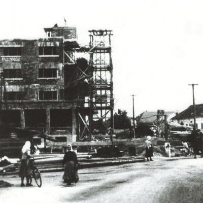 Výstavba Roľníckej vzájomnej pokladnice.